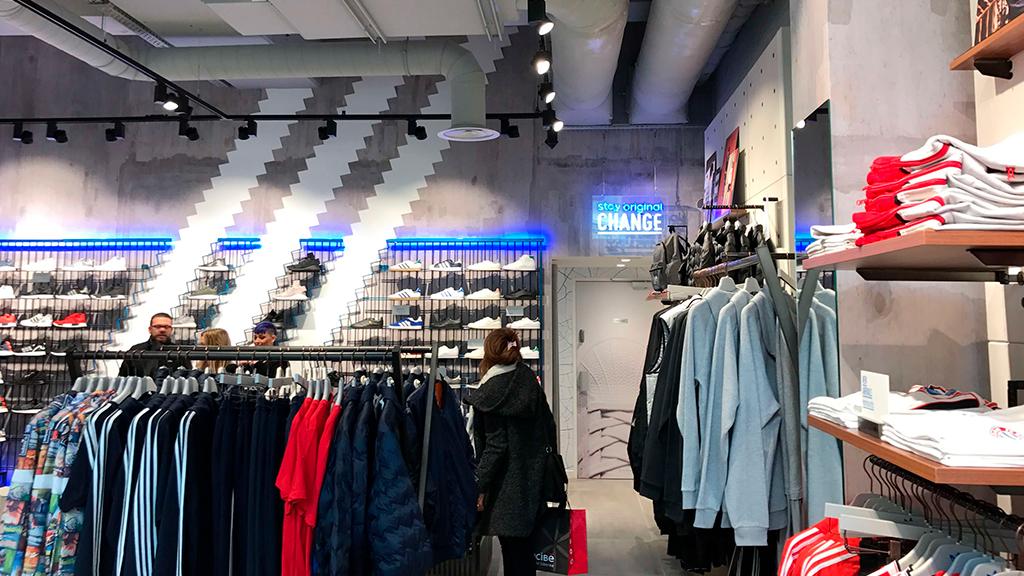 interieur-magasin-adidas